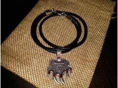 Медальон Медвежья лапа #2 (простой)