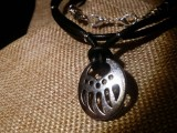 Медальон Медвежья лапа #3 Витая пара (Черно-Серебристый)