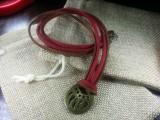 Медальон Медвежья лапа #3 на замшевых шнурах 001