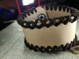 """Кожаный браслет """"Лемос"""" 002 Натуральный, без окраса с замшевой оплеткой."""