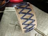 """Кожаный браслет """"Лемос"""" 004 Натуральный, без окраса с замшевым шнуром."""